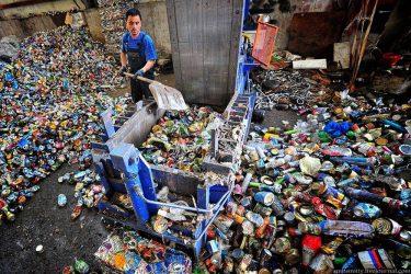 Как утилизируют мусор в России?