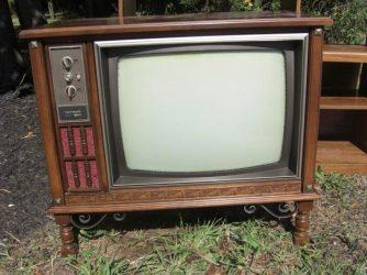 Зачем скупают старые телевизоры?